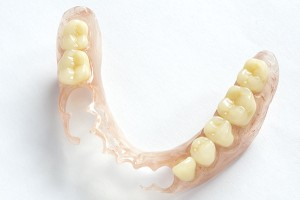 Removable dentures flexible, devoid of nylon, hypoallergenic exempt from monomer.